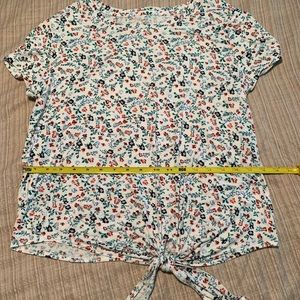 SO Tops - SO Tie Front T New With Tags Size Large